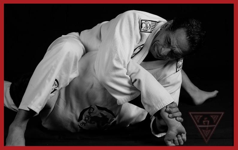 What is the Best Way to Do an Armlock in Brazilian Jiu-Jitsu?