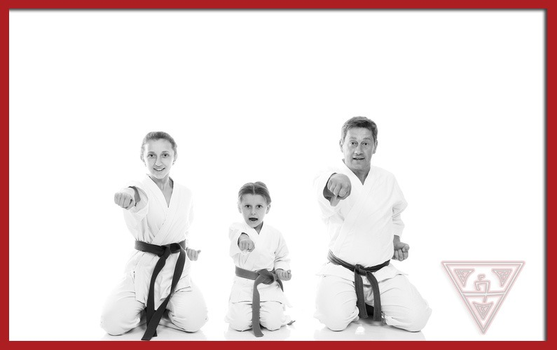 4 Reasons to Make Karate Your Family Activity
